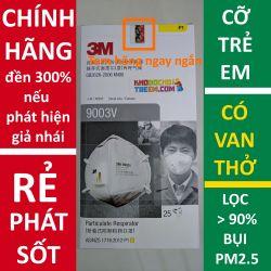 Một cái Khẩu trang trẻ em 3M 9003V KN90 lọc hơn 90% bụi siêu mịn PM2.5 có van thở
