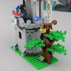 Enlighten Qman 1019 Xếp hình kiểu LEGO Castle Castle Knights Tấn Công Pháo đài Trong Rừng 262 khối