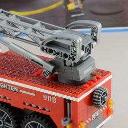 Enlighten 908 Qman 908 KEEPPLEY 908 Xếp hình kiểu Lego CITY Fire Rescue Scaling Ladder Fire Engines Fire Fighting Heavy Fire Truck Xe Thang Cứu Hỏa Lớn Và Xe Chiếu đèn 605 khối