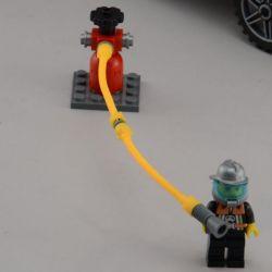 Enlighten 908 Qman 908 Xếp hình kiểu Lego CITY Fire Rescue Scaling Ladder Fire Engines Heavy Fire Truck Xe Thang Cứu Hỏa Lớn Và Xe Chiếu đèn 605 khối